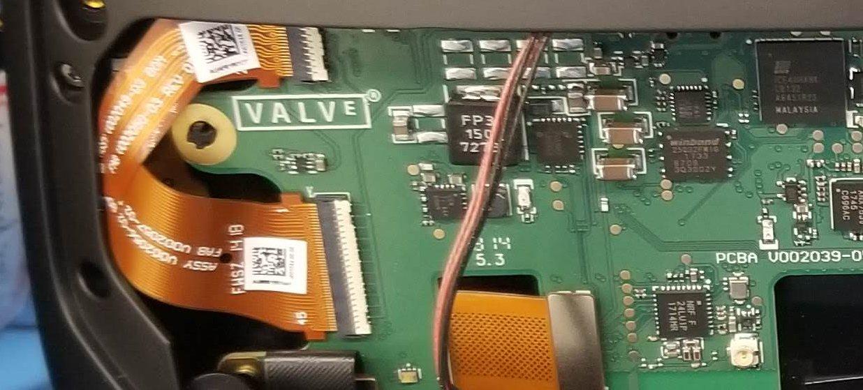 Leak: appare il prototipo di un visore VR marcato Valve | VR